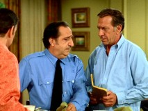 Oscar tests Murray (Al Molinaro) on his police skills to get his mind off his wife. Seeing as Murray lacks said skills, the plan fails in 10 seconds.