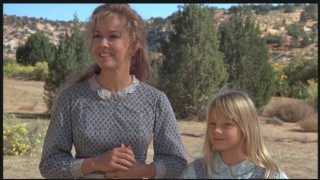 Vera Miles and Jodie Foster play Doris and Martha McIver, a little family along the way.