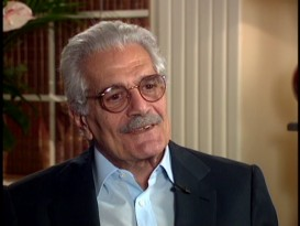 A not yet 70-year-old Omar Sharif is among the more prominent subjects of the hour-long 2000 making-of documentary.