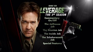 "Timothy Hutton peers mastermindedly from the ""Leverage"": The 3rd Season - Disc 1 main menu screen."