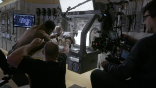 Making-of featurettes show us the filming of scenes in simulated Zero G conditions.
