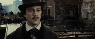 Eager to enlist in the Union Army for the Civil War, Robert Lincoln (Joseph Gordon-Levitt) is sickened by the sight of amputated limbs.