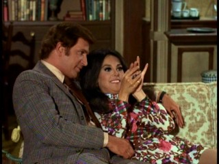 "That girl (Marlo Thomas) admires the used engagement ring that Donald (Ted Bessell) finally gives her in ""Counter Proposal."""