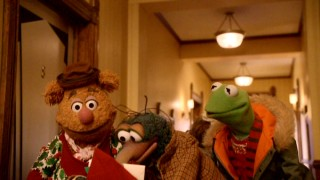 Classic Muppets Fozzie Bear, Gonzo, and Kermit the Frog take the lead in this 2008 Christmas special.