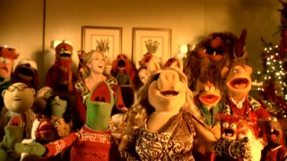 A happy ending calls for a big group song, on which the Muppets are joined by Claire (Madison Pettis) and her mother (Jane Krakowski).