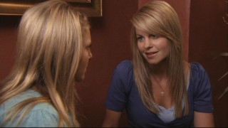 Summer (Candace Cameron Bure) reveals something from her past to help set Lauren on the right path.
