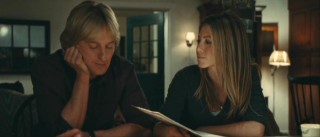 John (Owen Wilson) and Jennifer (Jennifer Aniston) reflect back on their life through his archived newspaper columns.
