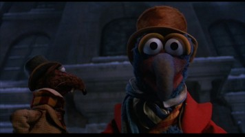 Ahh! Rizzo and Gonzo appear in 16x9 widescreen. This frame from the widescreen version was captured in the exact same way as the identical one to the left. Look at the difference!
