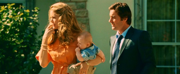Before he becomes a wealthy middle man, Jack Harris (Luke Wilson) is a Houston family man, with a wife (Jacinda Barrett) and infant son.