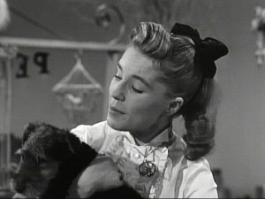 "Darlene craves attention in this musical ""Pet Shop"" sketch."
