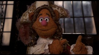 Fozzie Bear amusingly plays Squire Trelawney, whose best advice comes from the little man who lives in his finger.