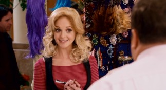 Like all comedy film love interests, hair weave kiosk worker Amy (Jayma Mays) is younger, thinner, and better looking than our smitten hero. Oh, and she's quite understanding too.