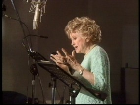 Phyllis Diller records lines as The Queen, as seen in a voice cast featurette from the A Bug's Life DVD and Blu-ray.
