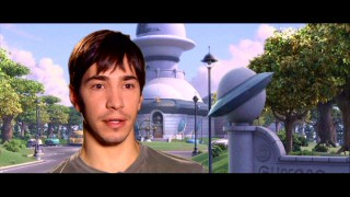 "Lucky for us, ""Planetarium - The Voice Stars of Planet 51"" interviews Justin Long on what appears to be his second day of facial hair growth."