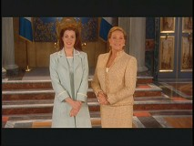 "Anne Hathaway and Julie Andrews host a sneak peek of ""The Princess Diaries 2"""
