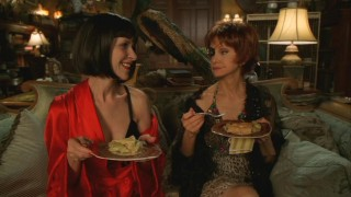 Vivian (Ellen Greene) and Lily (Swoosie Kurtz) reminisce over some good old-fashioned pie.