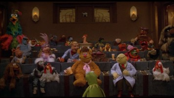 The same frame from the widescreen version preserves the full Muppet audience, including the unseen sides.