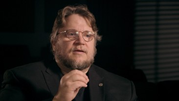 Director Guillermo Del Toro sings the praises of Hitchcock's original The Man Who Knew Too Much in this new video interview.
