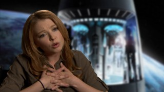"Actress Elisabeth Harnois teaches us an alien language phrase in ""Martian 101."""