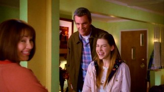 "The cast of ""The Middle"" cracks up during a blown take in the gag reel."