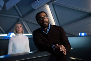 Media relations director Annie Montrose (Kristen Wiig) and Mars missions director Vincent Kapoor (Chiwetel Ejiofor) are among those at NASA trying to rescue Mark Watney while keeping the public's expectations in check.