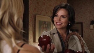 Regina Mills (Lana Parrilla) is Storybrooke's conniving mayor and the Evil Queen behind the town's curse.