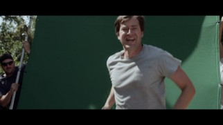The visual effects reel shows how Mark Duplass was doubled in this scene, with running men carrying a green screen behind him.