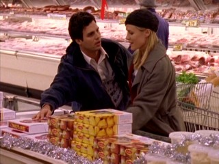 Proving their love is real, both Bert (Mark Ruffalo) and Trish (Mary Stuart Masterson) love rhubarb pie!