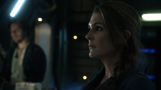 Up on The Ark, our focus is typically on conscientious chief medical officer Dr. Abby Griffin (Paige Turco), Clarke's mother.