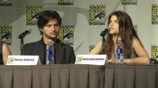 Thomas McDonell and Marie Avgeropoulos are among the cast members participating in The 100's 2013 Comic-Con panel.