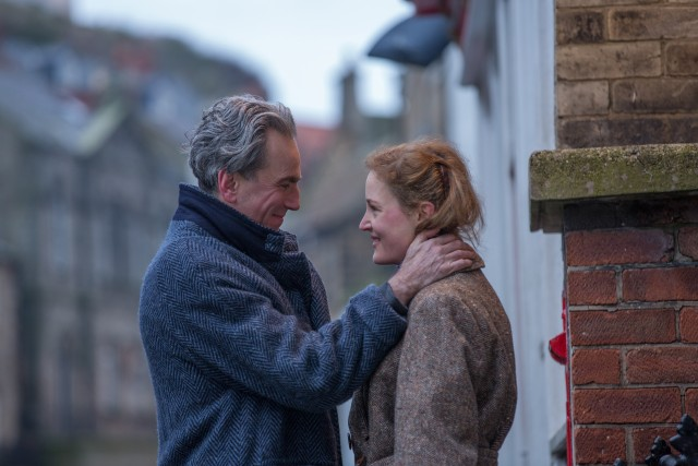 "In ""Phantom Thread"", Reynolds Woodcock (Daniel Day-Lewis) sparks a romance up with Alma (Vicky Krieps), a waitress who becomes his muse."