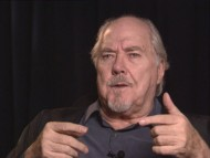 "Robert Altman discusses ""The Player"" in this 1992 interview."
