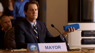 Mr. Mayor (Kyle MacLachlan) tries to solve Portland's problems with a 3D printer.