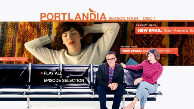 Carrie is overwhelmed with email alerts on the Portlandia: Season Four DVD main menu.