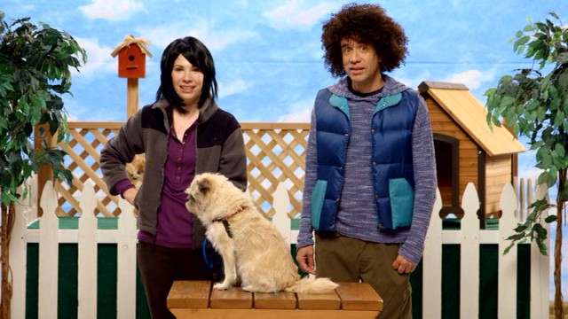 Trish (Carrie Brownstein) and Jamie (Fred Armisen) encourage pet adoption all season long to minimal amusement.