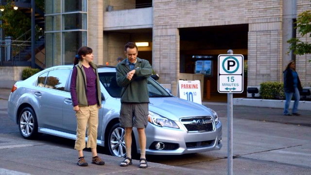 Kath (Carrie Brownstein) and Dave (Fred Armisen) try to get everything done before their 15-minute parking expires.