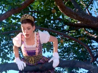 Mia's (Anne Hathaway) clumsy nature undermines the dignity of a Genovian pear-picking ceremony in this PD2 deleted scene.