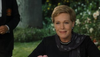 The graceful Queen Clarisse Renaldi (Julie Andrews) surprises Mia with a revelation of her bloodline.