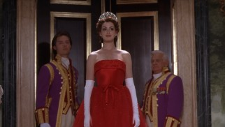 Now a full-fledged princess, Mia Thermopolis (Anne Hathaway) is not above some clumsiness.