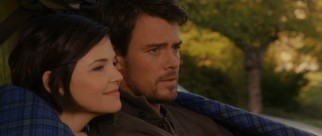 Love is again in the air for Ramona's Aunt Bea (Ginnifer Goodwin) and Howie's Uncle Hobart (Josh Duhamel), old high school sweethearts back in the '90s.