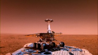 The Spirit lands on Mars and prepares to start exploring in this accurate three-dimensional computer-animated rendition.