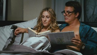 Carrie (Sarah Jessica Parker) reads to Mr. Big (Chris Noth) a collection of love letters by historical figures.