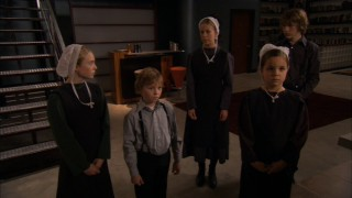 The five Cottrell children move into their aunt's lavish apartment. Left to right, they are: Anna Mae (Danielle Chuchran), Josiah (Tanner Maguire), Lyddie (Abigail Mason), Hannah (Bailee Madison), and Caleb (Soren Fulton).