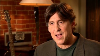 Because the 100-minute commentary and 21-minute lead-in weren't enough, writer/director Cameron Crowe returns seven years later for this short new interview featurette.
