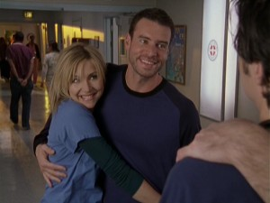 Scott Foley returns as Sean and spends most of his nine appearances in a serious relationship with Elliot (Sarah Chalke).