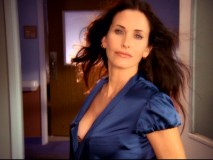 "As new chief of medicine Taylor Maddox, Courteney Cox gets the back-lit wind-in-hair introduction that many a ""Scrubs"" lady guest star has."