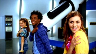 "In this music video, Alyson Stoner and her backup dancers are ""Dancin' in the Moonlight"", not the fluorescent lighting of an observation deck."