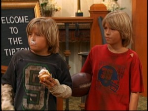 Zack (Dylan Sprouse, left) is the somewhat pudgy, goofy brother. Cody (Cole Sprouse, right) is the skinnier, more intelligent brother.