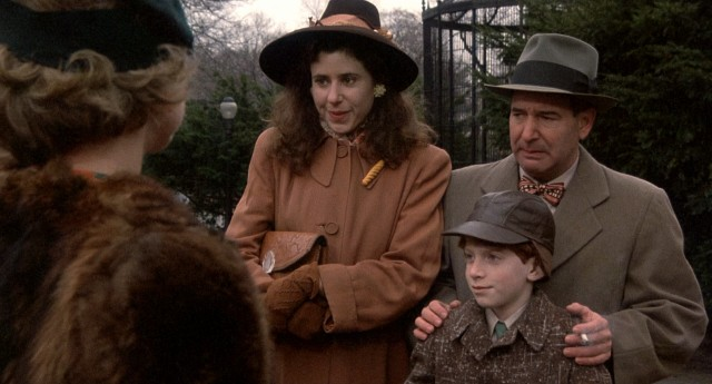 Young Joe (Seth Green) and his parents (Julie Kavner and Michael Tucker) are starstruck at the sight of one of radio's Whiz Kids at a zoo.