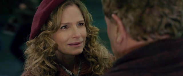 Kyra Sedgwick as an ex-con arsonist? Not buying it!